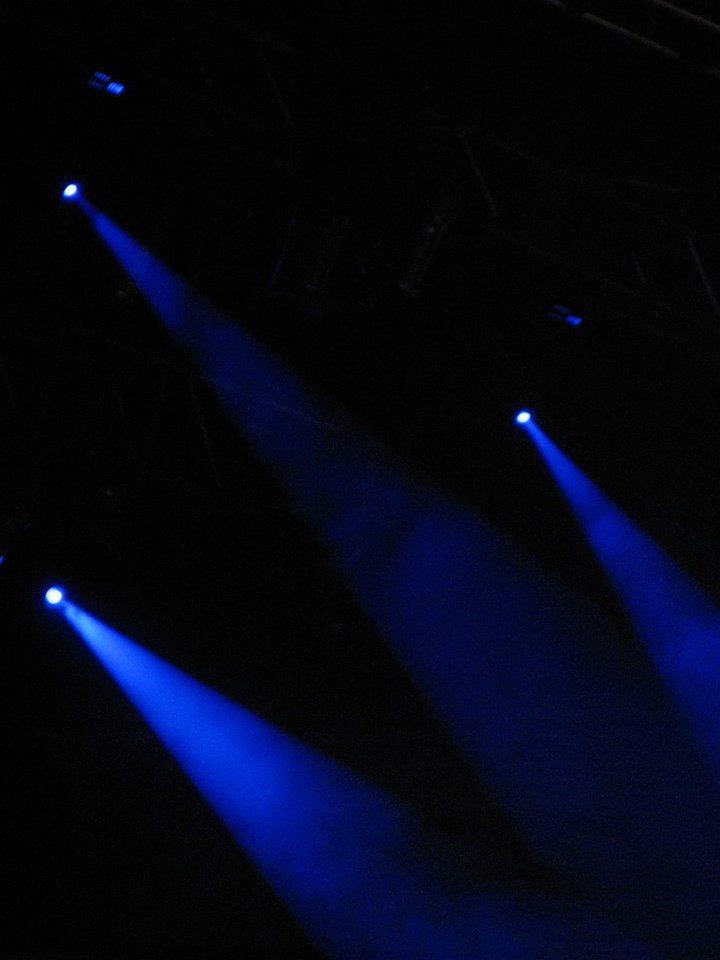 Często wykorzystywane jest oświetlenie dyskotekowe